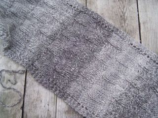 Grey_on_grey_scarf_closeup