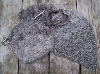 Grey_on_grey_scarf_start